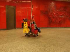 Sauber (mkorsakov) Tags: city red rot fliesen bahnhof minimal hbf dortmund innenstadt unterfhrung reinigungswagen putzkolonne