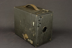 Kodak Brownie No.2A (Skink74) Tags: camera old 20d kodak box canoneos20d brownie 116 brownieno2a nikkor35mm114ai