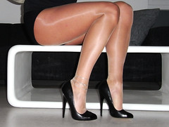 R0012029 (nylongrrl) Tags: stockings shiny highheels arch legs tights glossy heels heel stiletto ph ankle pantyhose dangle nylon anklet nylons fashioned collant 6inch archsatin