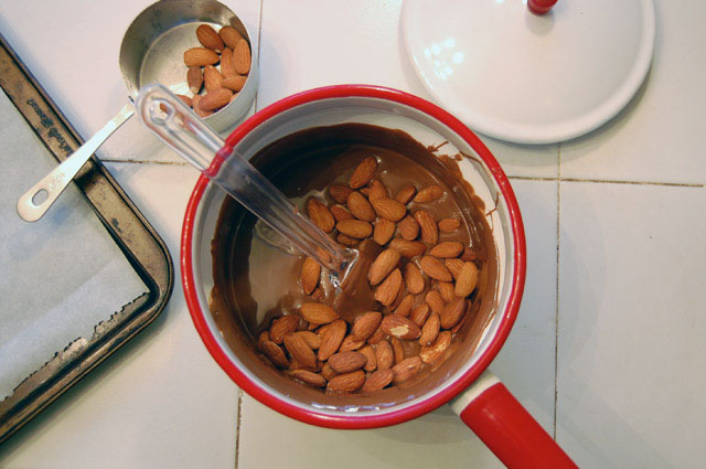pot almonds
