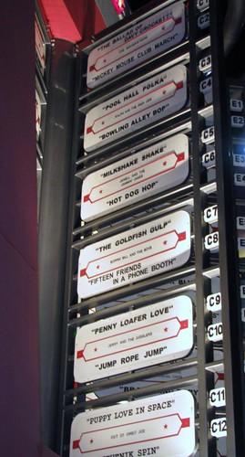 a808970b375 2010WDW 1893 - Disney's Pop Century Resort - the '50s - Jukebox - Playlist