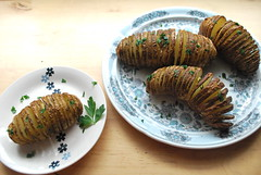 hasselback potatoes (sevenworlds16) Tags: potatoes yum 365 sliced roasted 3652012 3662012 2012inphotos