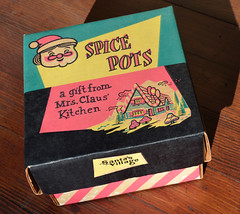 Santa's Village Spice Pots packaging (Miehana) Tags: california box packaging santasvillage skyforest