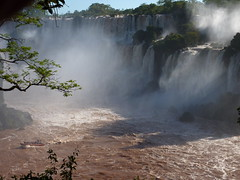 Boats are taking people close to the falls and over toSan Martín Island (loveexploring) Tags: argentina waterfall iguazu