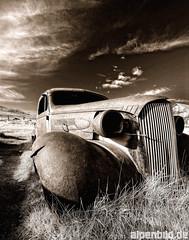 Bodie Ghost Truck (alpenbild.de) Tags: auto california ca usa car sepia truck landscape oldtimer bodie wreck monolake sierranevada landschaft hdr kalifornien lastwagen easternsierra leevining 3exp gosttown alpenbildde