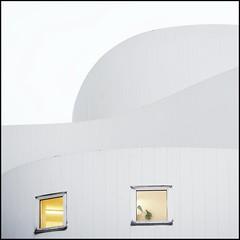 White cake (Maerten Prins) Tags: white building window lines germany theatre curves düsseldorf schauspielhaus tonsurton dazzledorf