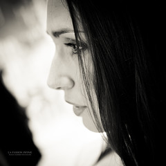 La Passion Infinie (Franck Tourneret) Tags: wedding portrait bw woman look hair 50mm nikon married bokeh femme profile nb mariage preparations profil regard cheveux pouse d700 prparatif