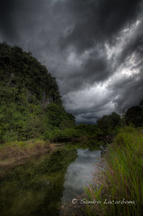 Sarawak landscape HDR (Sandro_Lacarbona) Tags: voyage trip travel cloud lake landscape lac sarawak malaysia passage backpacker hdr sandro nudge malaisie routard tourdumonde tetedechatcom lacarbona