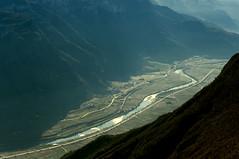 Valle dell'Adige (plaisirdevivre) Tags: mountains montagne river fiume valle trentino adige strapiombo valledelladige
