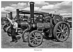 The Steam Fair (roddersdad) Tags: lincolnshire candidshots steamengines 2011 canonef24105mmf4lisusm steamtractionengines canon1dsmkll lincolnshireshowground wwwimagesbyclivecouk copyrightclivejmaclennan