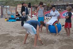 Acrobatics2011-5.jpg (Zandvoort Life) Tags: holland beach boys netherlands jumping zee acrobatics barefeet acrobats zandvoort leaping aan bouncing inflatableball