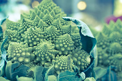Javea Market LR-5818 (PhotoMadly / Erika Szostak) Tags: vegetables fruit spain market roman broccoli cauliflower produce fractals veg romanesco javea romancauliflower