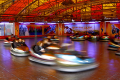 Bumper Cars (CoolMcFlash) Tags: vienna wien park people motion blur speed canon fun eos austria amusement sterreich movement exposure leute action bewegung leisure bumpercars tamron panning prater collide aktion rummel bewegungsunschrfe geschwindigkeit spas rummelplatz autoscooter freizeitpark autodrom zusammenstossen 18270 60d b008 wienerprater vergngunspark