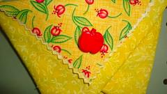 Panier origami en tissu (ZiKiarts) Tags: park flowers red orange usa paris france color green apple yellow jaune rouge origami iran crafts january hobby bananas fabric pineapple smiley baskets button ladybird ladybug dominique patchwork joanne ananas perelachaise janvier domi 2012 pomme coccinnelle tissu gambetta 75020 paniers costumemade zardkuh bazoftforever bazoft loisirscreatifs surcommande zikiarts