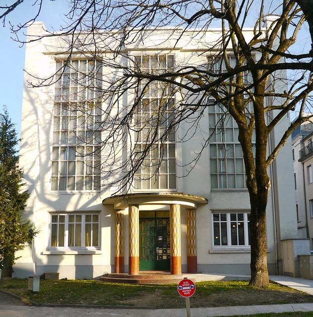 Tarbes, Hautes-Pyrénées: un des bâtiments du CONSEIL GéNéRAL, rue Gaston Manent