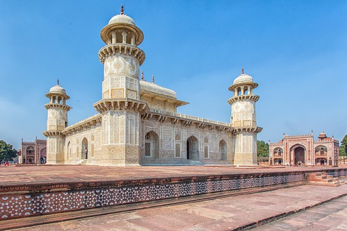 Thumbnail from Itmad-ud-Daulah's Tomb