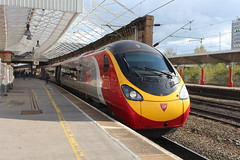 390042 (matty10120) Tags: station train transport rail railway class crewe 390