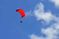 Coming back to Earth (Sotosoroto) Tags: washington hiking paraglider tigermountain poopoopoint dayhike chiricotrail