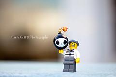 Robber-Bomber (Chris Gritti) Tags: chris toys lego mini criminal minifigs bomb gritti