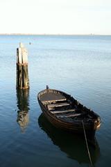 Floating in time! (alexl21) Tags: ocean blue water dark boat eau rope bleu bateau corde ocan fonc