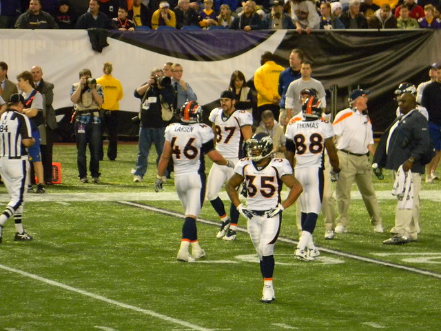 Spencer Larsen, Eric Decker, Lance Ball, DEMARYIUS THOMAS, and Coach John Fox