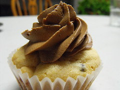 Chocolate Peanut Butter Cupcakes (HillaryFree) Tags: chocolate chips butter peanut frosting