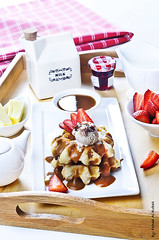 (Fahad Al-Robah) Tags: red white breakfast milk strawberries caramel pastry waffles