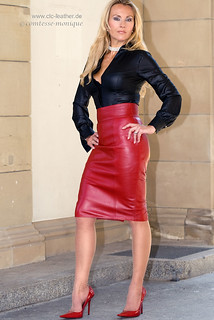 comtesse-monique_red leather skirt suit, seamed stockings, pointed heels, suspender bumps (3)
