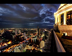 Sky High over Bangkok, City of Light !!! (I Prahin | www.southeastasia-images.com) Tags: city bridge sunset sky bar night canon river movie thailand lights golden cityscape bangkok explore drinks cocktails chaopraya hdr sirrocco silom cityofangels skybar statetower thedome thonburi shangrilahotel bangrak tonemapped explored lebua thehangover qhouse highestbar taksinbridge worldsbestbar lebuahotel totallythailand thehangoverpartii