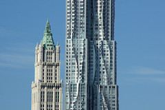 Woolworth Building and 8 Spruce Street (aka New York by Gehry aka Beekman Tower) (SomePhotosTakenByMe) Tags: park city nyc newyorkcity vacation usa newyork building architecture brooklyn america skyscraper river unitedstates manhattan urlaub gehry financialdistrict woolworth eastriver architektur amerika fluss gebäude lowermanhattan innenstadt wolkenkratzer woolworthbuilding brooklynbridgepark beekmantower 8sprucestreet newyorkbygehry