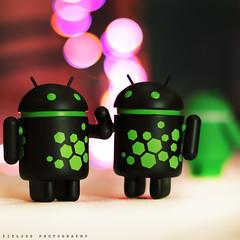 Android Aliens .. (ZiZLoSs) Tags: black green canon logo eos bokeh f14 ii android 2012 aziz ef50mmf14usm abdulaziz عبدالعزيز 600d ef50mm zizloss المنيع 3aziz almanie abdulazizalmanie canoneos600d