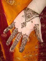 i love fessi henna (Hand of Fatima Henna Art) Tags: india art netherlands floral hands dubai decoration morocco henna bodyart mehndi artiste hennaart handoffatima naqsh neqasha khaliji fessi hennadesigner nekacha fatimaouladthami hennafun