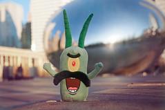 { plankton goes to chicago } (pixelmama) Tags: chicago sunrise illinois millenniumpark cloudgate thebean plankton fakemustache pixelmama toyintheframethursday htitft