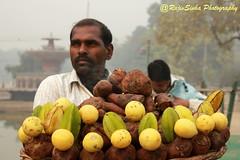 Seller at India Gate (RajivSinha Photography) Tags: seller indiagate rajivsinhaphotography
