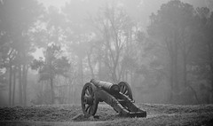 King of the Hill (mrbrkly) Tags: fog virginia cannon yorktown battlefield
