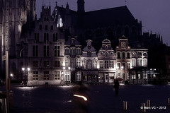 Night Falls (Marc VC) Tags: mechelen grotemarkt