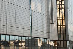 Montparnasse (Loc.) Tags: paris france window finestra reflet reflect fentre immeuble