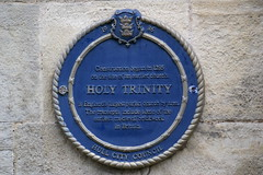 Photo of Holy Trinity blue plaque