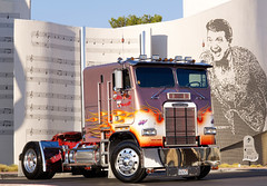 CF_1583f (addmedia1) Tags: truck trucker trucking bigrig freightliner cabover liberacemuseum owneroperator