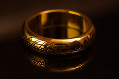 One Ring (camecasius) Tags: macro ring lordoftherings softbox mirrow onering ipad