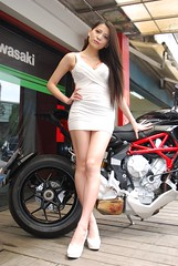 2014 CHMOTO Rivale 800  () Tags: portrait highheels outdoor taiwan motorbike showgirl motorcycle taipei   sg tamron  2014 sb800  a007   v chmoto rivale800 127