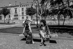 HairStyles   ///   Peinados (Walimai.photo) Tags: black white blanco negro byn bw blanc noir street calle portrait candid retrato robado banco bench plaza square coln salamanca spain lx5 lumix panasonic