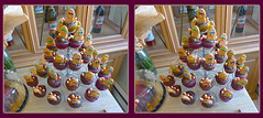 Thanksgiving Day Treats 2 - Parallel 3D (DarkOnus) Tags: thanksgiving november macro closeup lumix stereogram 3d cookie day pennsylvania treats panasonic stereo cupcake parallel stereography buckscounty dmcfz35 darkonus