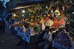 tal  Katmandou (Npal) (Le P'tit Nicolas) Tags: fruits evening nikon asia asie soir march lgumes npal 18200mm d90 tal katmandou