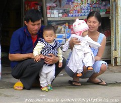 N45 Wonderful Moms, Wonderful Babies, Merveilleuses Mamans, Merveilleux Bbs, Vietnam!   Vietnamese Ladies, Vietnamiennes, Brave Courageuses Gorgeous Nice  Graceful Pleasant Attractive Cute Beautifull Lovely Charming Smiling Generous Kind Smiling Happy (tamycoladelyves) Tags: ladies woman cute girl smile smiling lady wonderful mom happy amazing nice women babies vietnamese priceless gorgeous femme young happiness super vietnam kind moms attractive stunning belle brave oldlady oldwoman jolie demoiselle kindness lovely charming maman dame miss graceful fille bb magnificent babie oldwomen bbs pleasant maternit beautifull delightful younggirl oldladies generous jeune jeunefille younglady merveilleuses oustanding merveilleux jeunefemme youngladies mamans agrable vieilledame lookstunning lookingstunning vietaminne