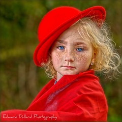 A FRECKLED  GIRL. (Edward Dullard Photography. Kilkenny, Ireland.) Tags: kilkenny ireland portrait cute girl retrato freckles portraitphotographer colorphotoaward edwarddullardphotography bestportraitsaoi ringexcellence musictomyeyeslevel1