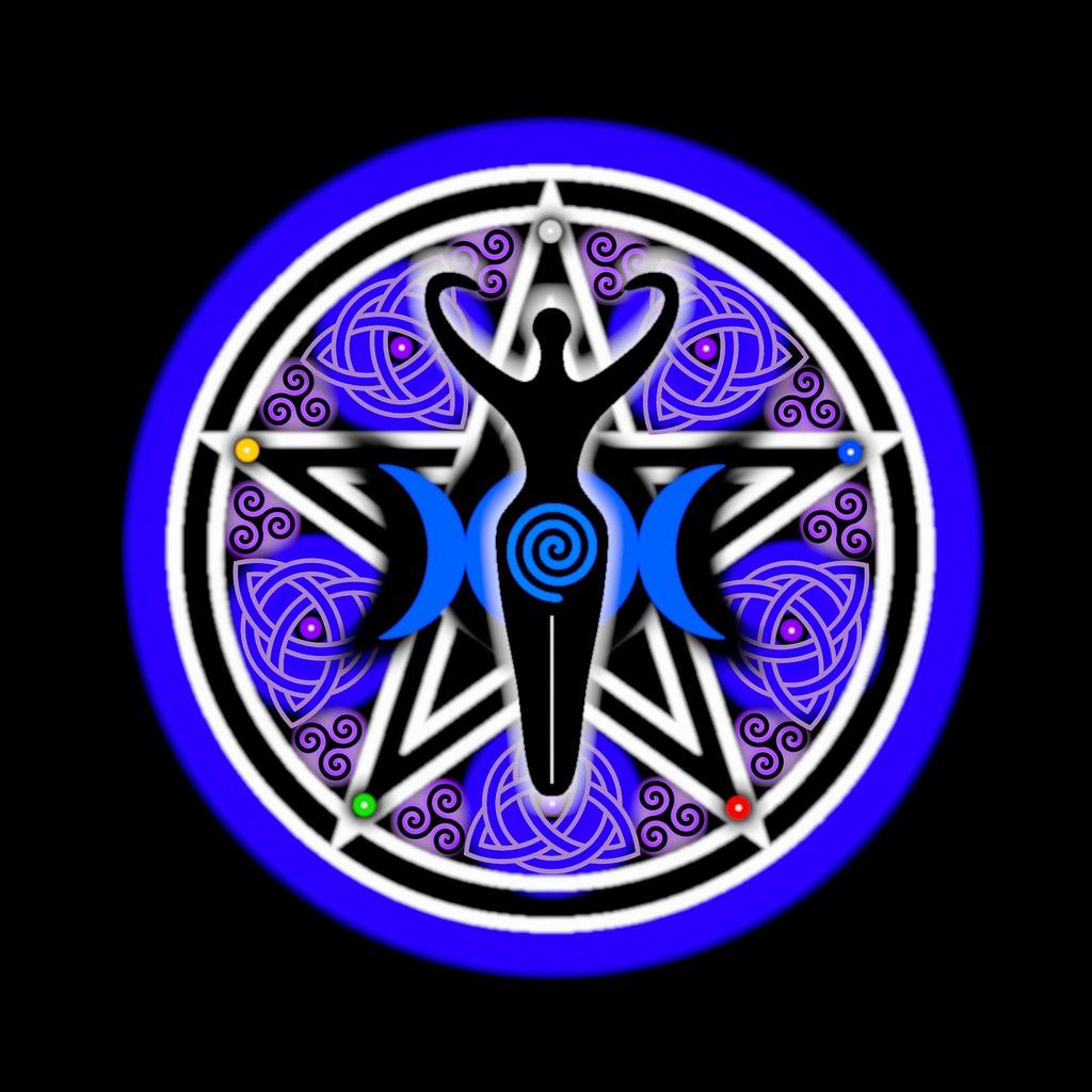 Risultati immagini per triple moon goddess symbol