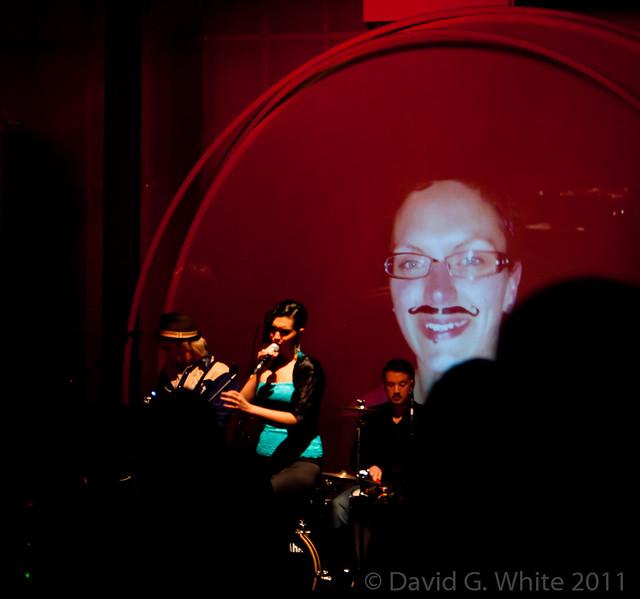 MoBall 2011 DGW 114