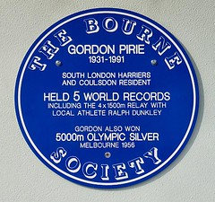 Photo of Gordon Pirie blue plaque