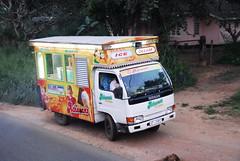 ICE CREAM (pontfire) Tags: srilanka srilankan océanindien indianocean autobus bus camion truck travel trip road route habarana habarane ceylon ceylan lankan leyland ashok voyage sri lankā śri lanka çri śrī laṅkā ශ්රී ලංකා illankai இலங்கை